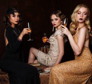 tri-decojke-elegantne-frizure-haljine-čaše